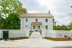 A house built in 1828 in Richmond Hill, is restored to its original character and detailing
