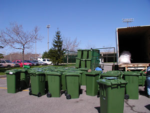 The city's new organic waste diversion project will take biodegradables from curbside collection and process the waste using anaerobic digestion technology to capture the methane gas and produce compost. Money will be saved from the diversion of waste from landfills, while revenue will be generated through the production of methane gas for fuel and the sale of compost.