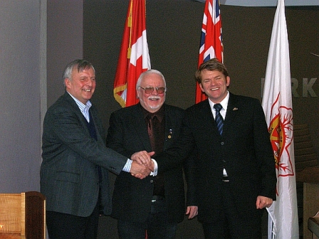 From left to right: Honourable David Ramsay, Member of Provincial Parliament for Timiskaming—Cochrane; His Worship Bill Enouy, Mayor of the Town of Kirkland Lake; and Honourable Brian Jean, Parliamentary Secretary to the Minister of Transport, Infrastructure and Communities