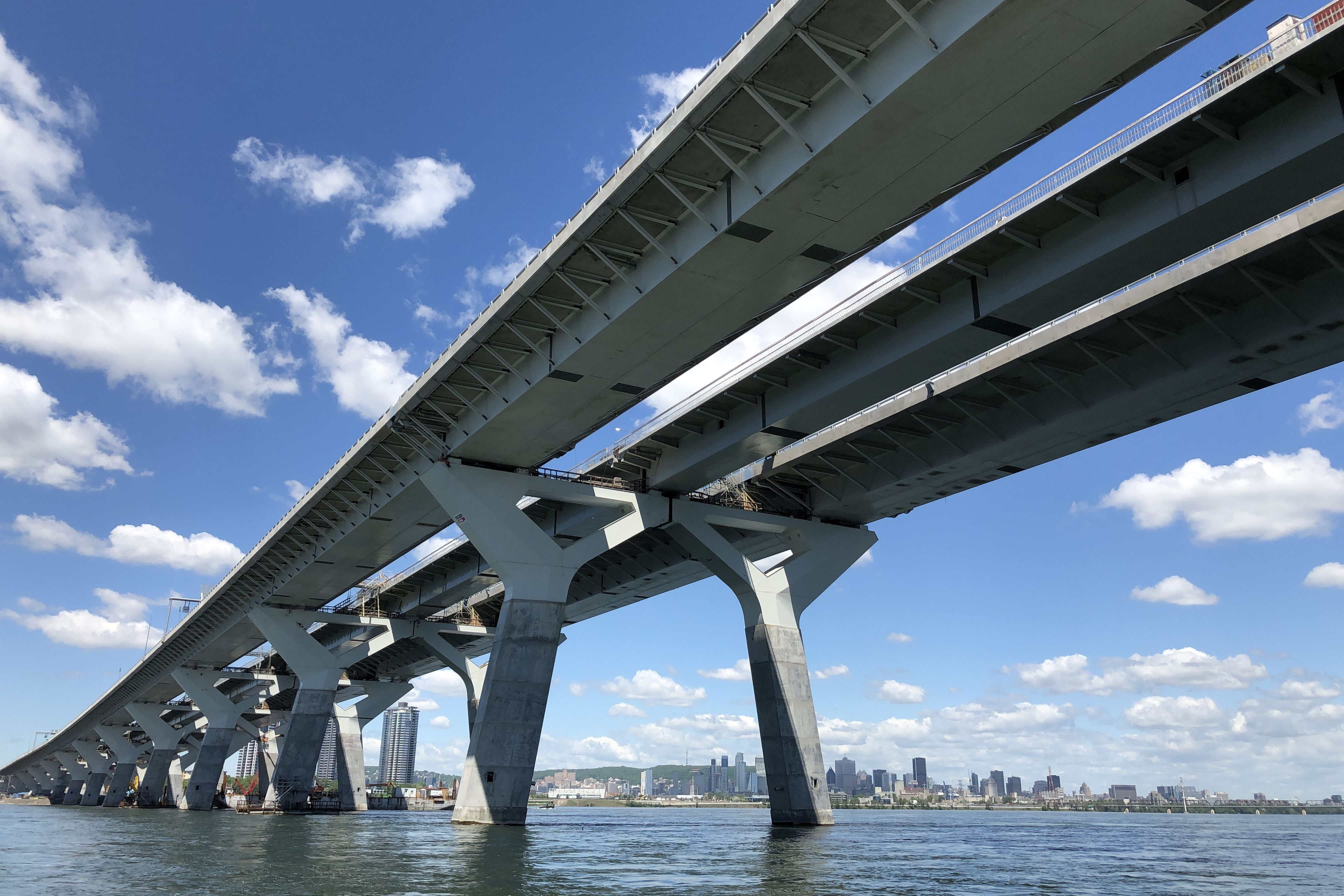 Image of the new Samuel-de Champlain Bridge
