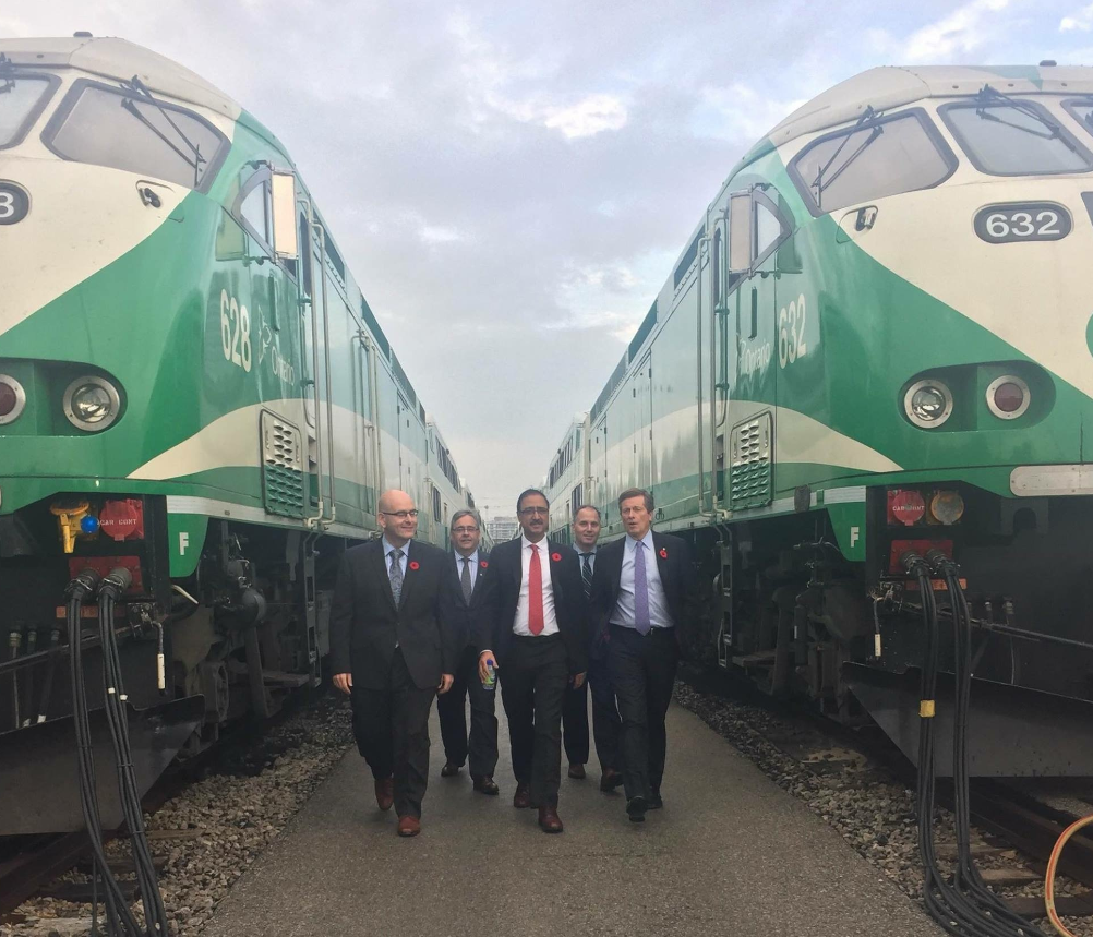 Minister Sohi meeting at site of GO Transit in Toronto, November 2016.